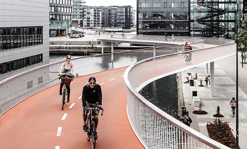 The Bicycle Snake, Architect: DISSING+WEITLING architecture, Landscape: Marianne Levinsen Landskab, Photographer: Rasmus Hjortshøj